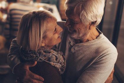 Como as nossas relações influenciam o envelhecimento