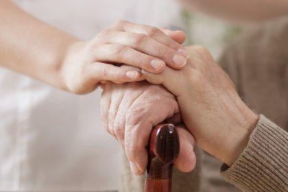 Com aumento da longevidade, saúde e educação devem ser prioridades, dizem especialistas
