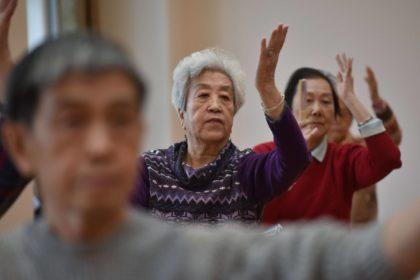 China vai intensificar esforços para fornecer melhores cuidados aos idosos